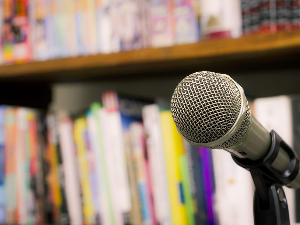 microfoon voor boekenkast